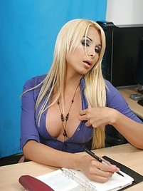 Shemale Office Porn Pics-pic7614